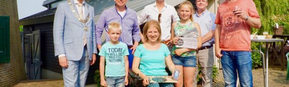 Drie gelukkige prijswinnaars 10 jaar molenwinkel